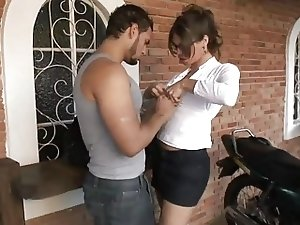 Hot Shemale Secretary Bia Very Nice Fuck